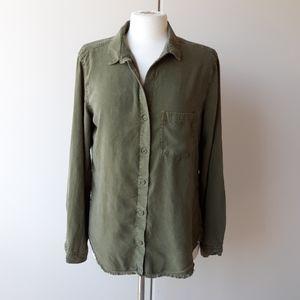 Cloth and Stone button down frayed hem shirt